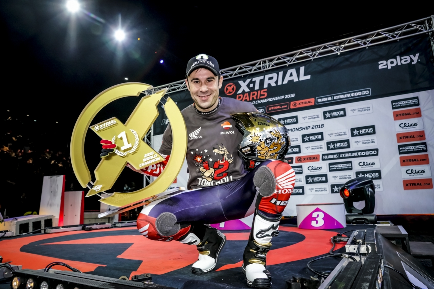 First victory for Busto and title for Bou in Paris