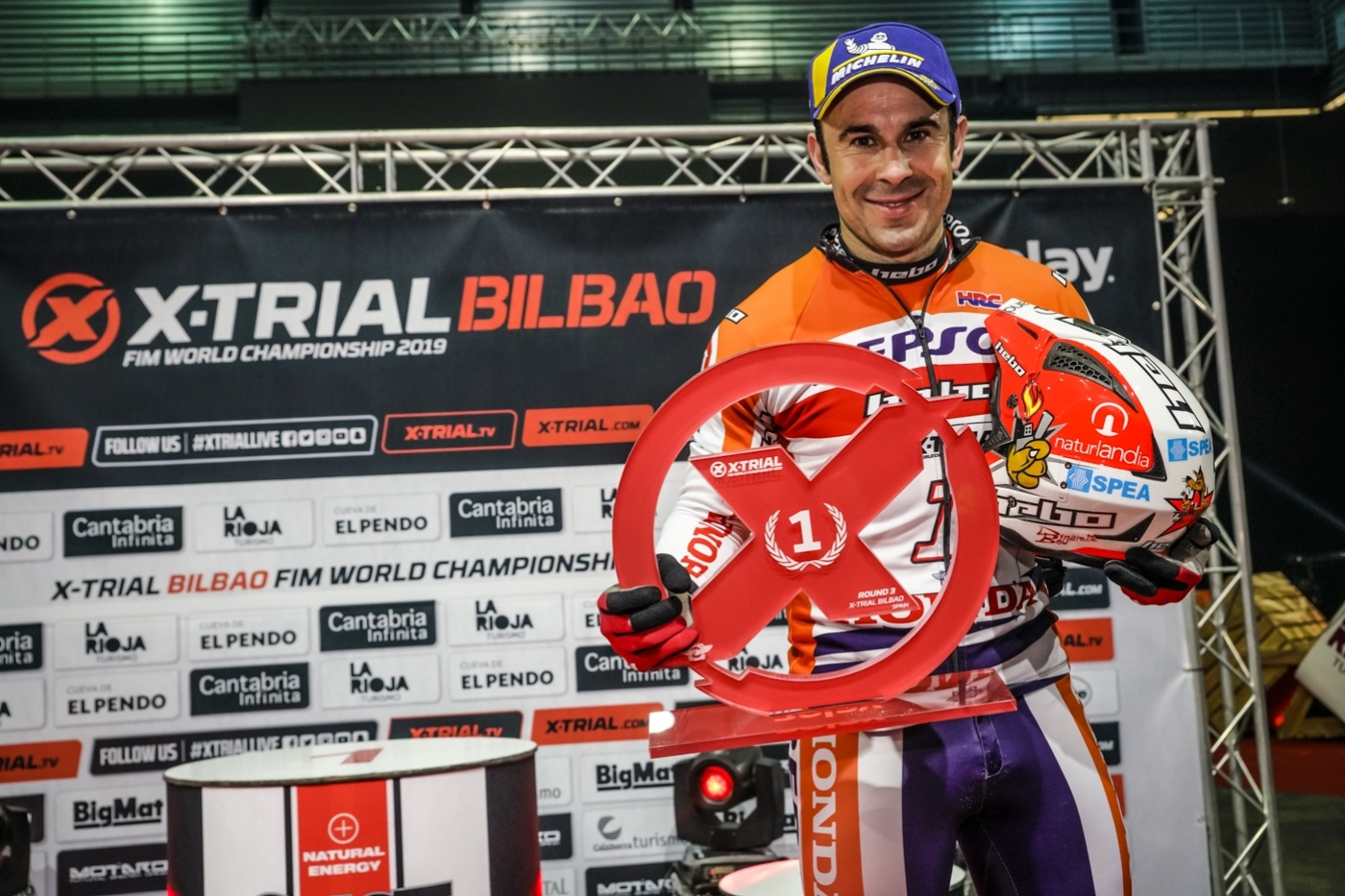 Bou recovers top spot in Bilbao