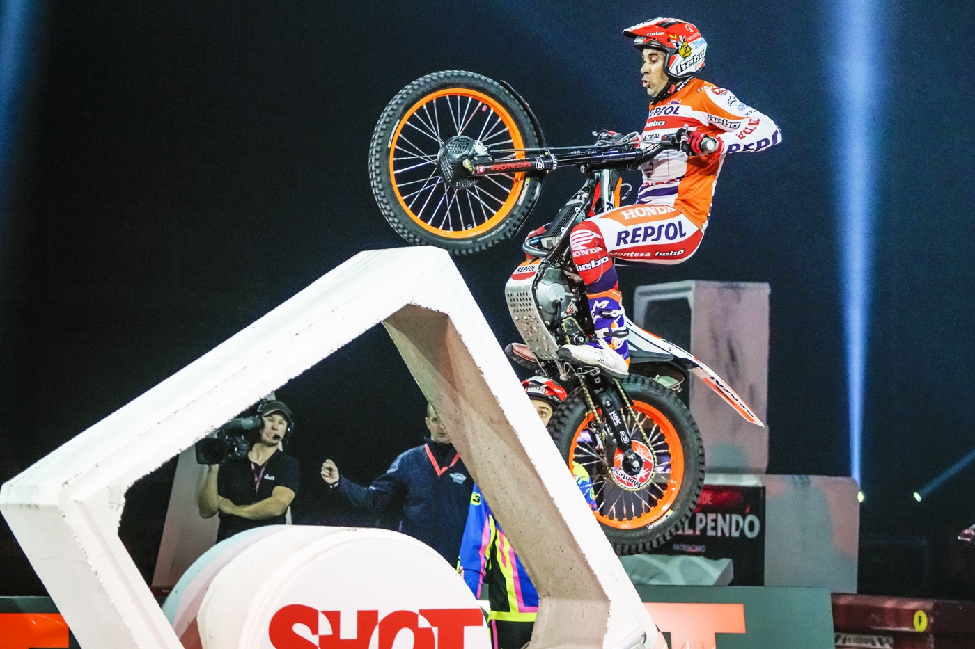 Bou leads as X-Trial returns to Granada